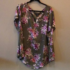 NWT Floral blouse